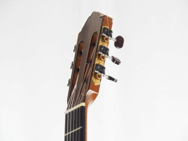 Gitarrenbauer Kim Lissarrague Meistergitarre