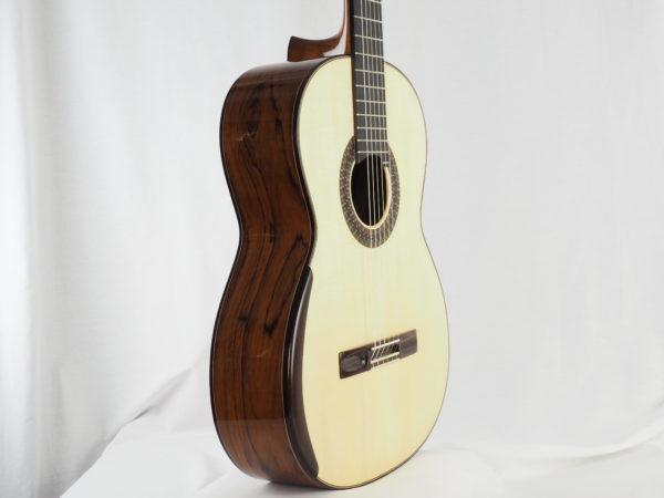 Gitarrebauer Jesse Moore Meistergitarre